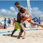 match de lutte sur plage